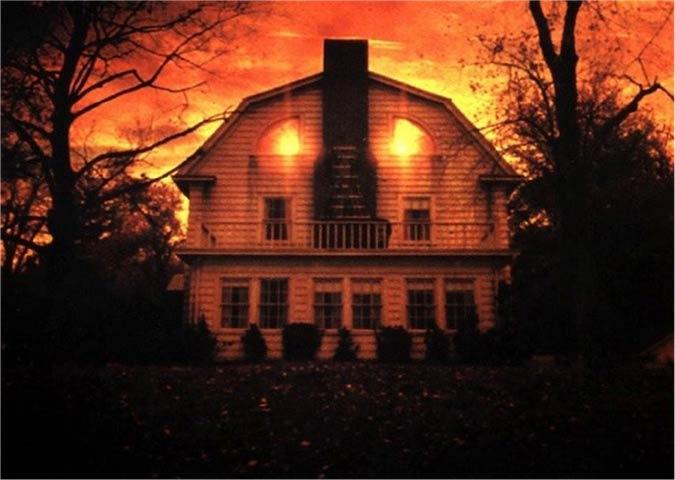 amityville-horror-house-sells