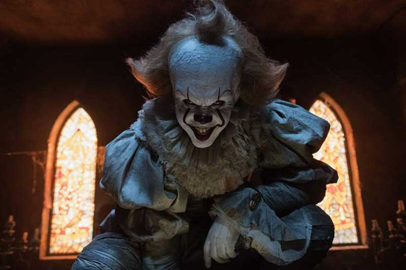 it-2017-pennywise-pouncing